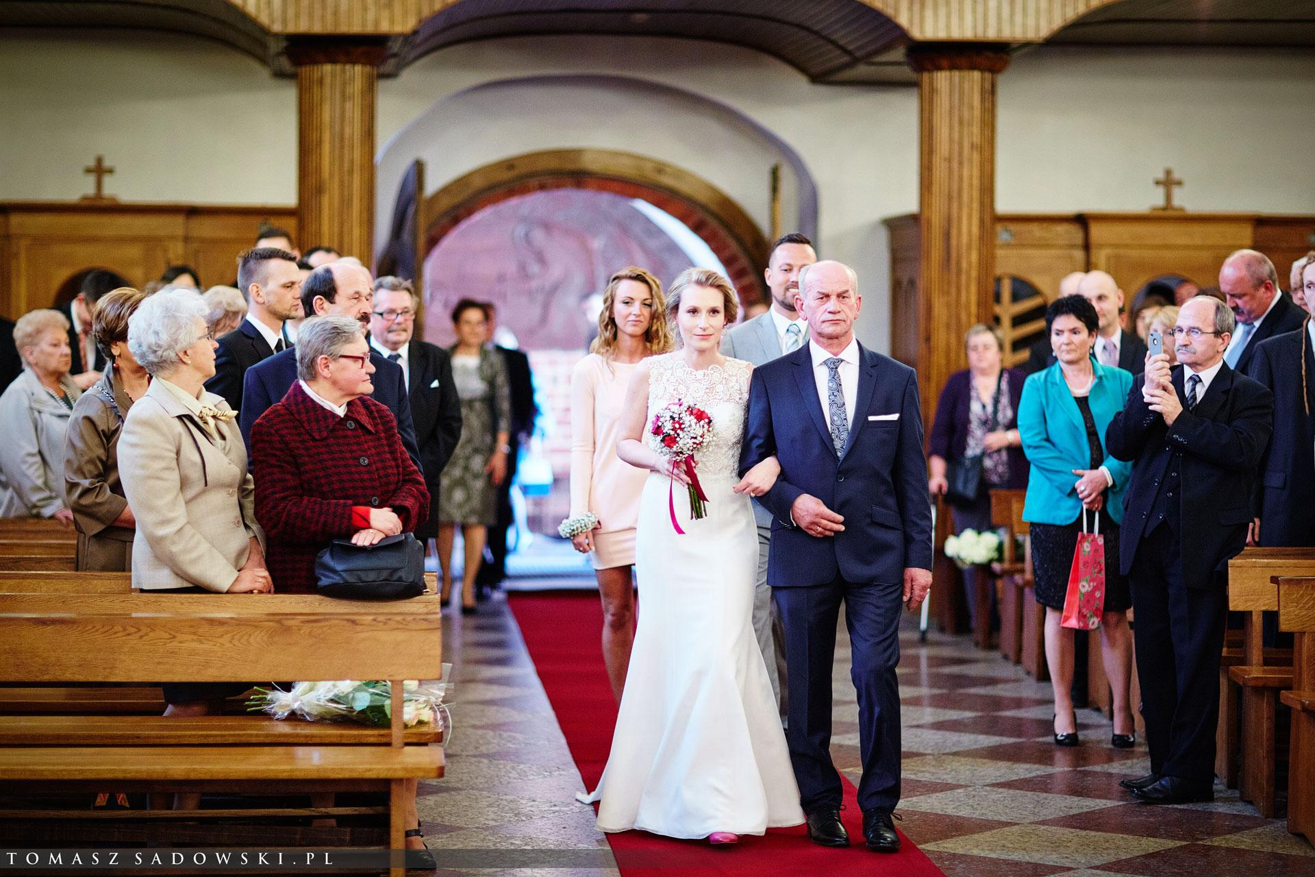 ślub w kościele Św. Anny w Piasecznie